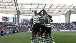 Os festejos dos jogadores do Sporting CP após a vitória frente ao FC Porto.