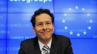 2013年1月21日,戴塞爾布盧姆當選歐元集團主席後在布魯塞爾舉行的記者會上。