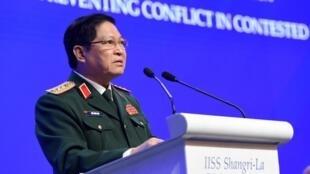 Ảnh tư liệu: Bộ trưởng Quốc Phòng Việt Nam Ngô Xuân Lịch phát biểu tại diễn đàn Đối Thoại Shangri-La, Singapore, ngày 02/06/2019.