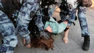 Задержание на несанкционированном митинге в Москве 27 июля 2019 г.