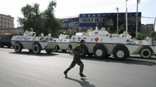 """Sau vụ tấn công tại Urumqi ngày 23/05, Bắc Kinh tiến hành chiến dịch truy quét """"các phần tử cực đoan"""" - RFI / Heriberto Araujo"""