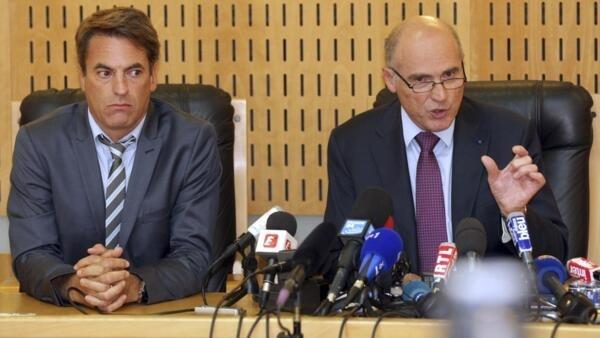 O procurador de Marselha, Brice Robin (à direita), e Gilles Soulier (à esquerda), chefe de polícia.