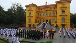 Tổng thống Mỹ  Barack Obama và Chủ tịch nước Việt Nam Trần Đại Quang tại lễ đón tổng thống Mỹ tại Phủ chủ tịch (Hà Nội) ngày 23/05/2016.