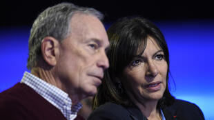 Former New York mayor Michael Bloomberg with Paris mayor Anne Hidalgo at the COP21 climate conference, Le Bourget, December 5, 2015
