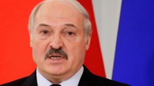 Президент Беларуси Александр Лукашенко выступил 21 апреля с посланием народу и парламенту