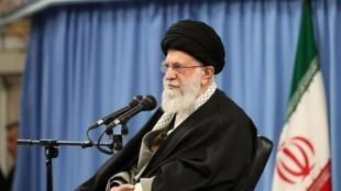 علی خامنهای، رهبر جمهوری اسلامی،  صبح یکشنبه،چهارم اسفند در ابتدای جلسه درس خارج فقه