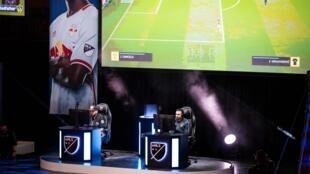 Un tournoi de football sur jeux vidéo à Boston (Etats-Unis) le 30 mars 2019.