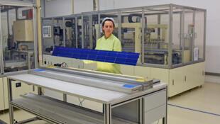 Dans l'atelier de Openrenewables, qui fabrique des panneaux solaires et des composants électriques à Evora