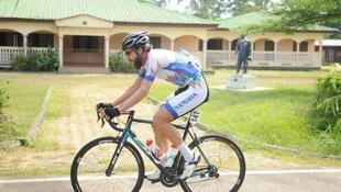 Dan Craven, le cycliste namibiem, découvre le Gabon avec sa première Tropicale Amissa Bongo.