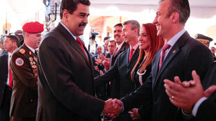 O presidente da Venezuela (e), Nicolás Maduro, nomeou Tareck El Aissami (d) como novo vice-presidente.