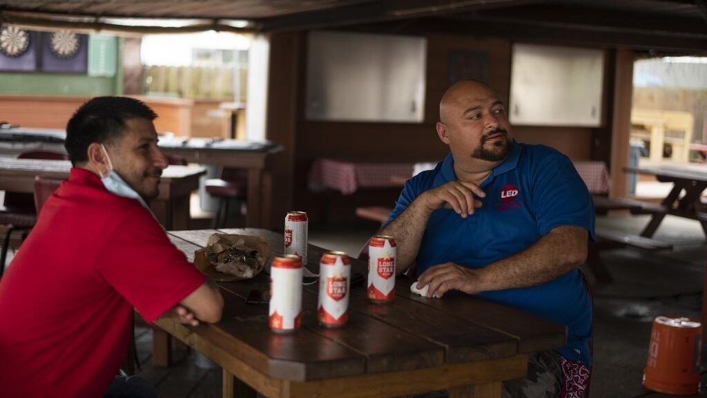 Covid-19 aux États-Unis: bars et restaurants au Texas contraints de refermer leurs portes