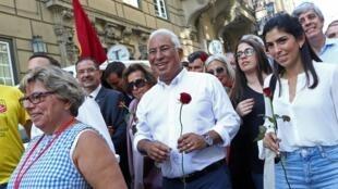 Thủ tướng mãn nhiệm thuộc đảng Xã Hội, Antonio Costa trong một đợt vận động tranh cử tại Lisboa, Bồ Đào Nha, ngày 04/10/2019.