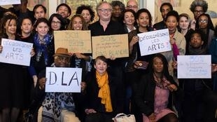 O coletivo de artistas franceses Descolonizar as Artes