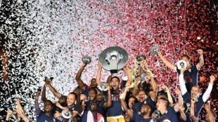 Festejos dos jogadores do Mónaco que se sagraram Campeões de França.