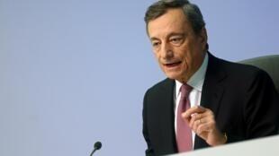 Le président de la Banque centrale européenne (BCE), Mario Draghi, lors de la réunion du Conseil des gouverneurs qui s'est tenue à Francfort, ce jeudi 12 septembre 2019.