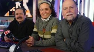 Octavio Cadavid junto a Jorge Muñoz y Jairo Mejía en los estudios de RFI