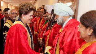 "Presidenta Dilma Rousseff durante cerimônia de outorga do título de Doutora ""Honoris Causa"" pela Universidade de Délhi."