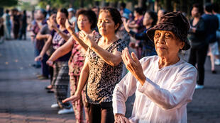 Tập thể dục dưỡng sinh ở Hà Nội. Ảnh minh họa, chụp ngày 30/10/2015.