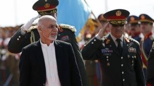 阿富汗总统阿什拉夫 加尼3月18日在喀布尔检阅军队