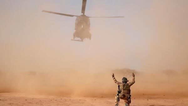 Um helicóptero da operação Barkhane.