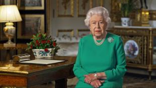 Sarauniyar Ingila Elizabeth ta II a yayin jawabi ga al'ummar Birtaniya