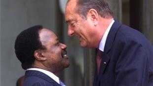 Jacques Chirac et son homologue gabonais Omar Bongo à l'Elysée le 30 août 2000.