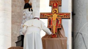 Le pape François est en visite ce samedi 15 septembre 2018 en Sicile 教宗方濟各 2018年9月15日 訪問意大利西西里島