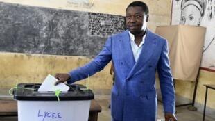Faure Gnassingbé lors de son vote à la présidentielle togolaise le 22 février 2020.
