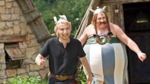 """""""Astérix et Obélix: au service de Sa Majesté"""", avec Edouard Baer et Gérard Depardieu."""