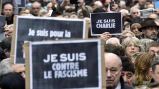 Des centaines de milliers de personnes ont défilé en France contre le terrorisme et en hommage aux victimes. Ici à Toulouse, le 10 janvier 2015.