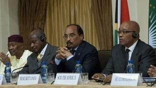 African Union bigwigs Jacob Zuma (R), Yoweri Museveni and Mohamed Ould Abdel Aziz