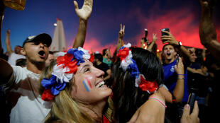 En los Campos Elíseos tras la victoria de Francia contra Bélgica en semifinales del Mundial.