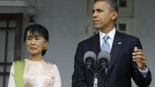 O presidente norte-americano, Barack Obama, reencontrou-se, nesta segunda-feira, com a líder da oposição e Nobel da Paz, Aung San Suu Kyi.