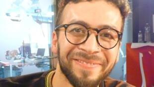 El bailarín y coreógrafo colombiano Juan Dante Murillo en los estudios de RFI en París.