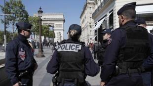 Полиция начала следить за Мохаммедом М. из-за его деятельности в соцсетях, где он активно пропагандировал джихад.