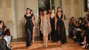 Fátima Lopes festejou 20 anos de presença na Semana da Moda em Paris.
