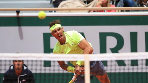 Rafael Nadal beat Roger Federer for a sixth time at the French Open.