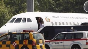 Bolivian President Evo Morales leaving the Vienna International Airport