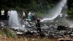 Avión de Cubana de Aviación se estrelló a los pocos minutos de despegar en La Habana.