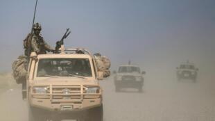 阿富汗安全部队在巡逻。2015-04-30