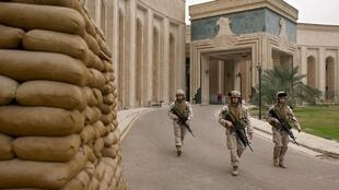 سفارت آمریکا در بغداد، بنا بر اعلام منابع نظامی در عراق، هدف حملات راکتی قرار گرفت.