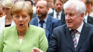 Angela Merkel y su ministro del Interior Horst Seehofer, el 20 de junio de 2018 en Berlín.