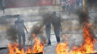 Journée de grève générale contre le manque de carburant et contre le gouvernement, à Port-au-Prince, en Haïti, le 17 septembre 2019.