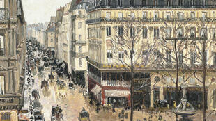 'Camille Pissarro - Rue Saint-Honoré, dans l'après-midi. Effet de pluie' hangs at the Thyssen-Bornemisza museum in Madrid