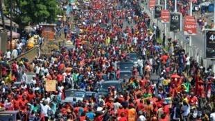 Les manifestants sont descendus dans les rues de Conakry, jeudi 7 novembre, à l'appel du FNDC, qui regroupe l'essentiel de la société civile et de l'opposition politique.