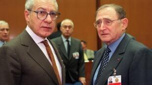 André Larquié (à gauche), le 1er décembre 1998, à Washington.