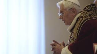 O Papa Bento XVI durante o consistório no qual anunciou sua renúncia, nesta segunda-feira, no Vaticano.