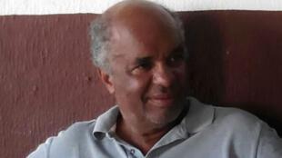 O comerciante aposentado Hamilton dos Santos questiona o fato de que escândalos envolvendo Aécio Neves foram pouco investigados.