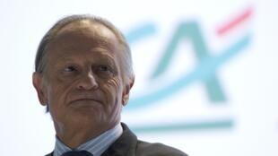 O presidente do banco Crédit Agricole, Jean-Paul Chifflet, durante reunião nesta terça-feira com principais acionistas, em Paris.