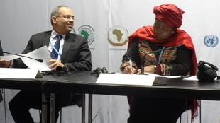 Carlos Lopes and African Union Commission Chair Nkosazana Dlamini-Zuma at the launch of the African Renewable Energy Initiative, 1 December 2015